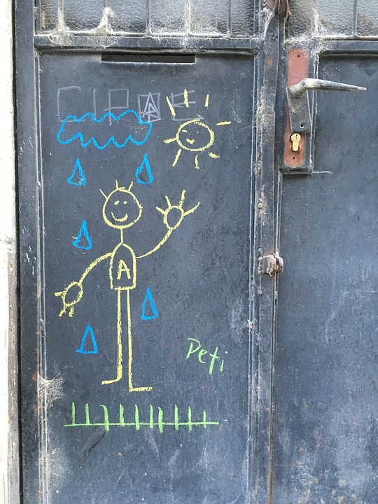 Kreide-Bild an einer Haustür